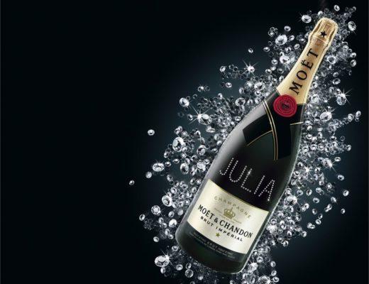 Atelier Moet Chandon Swarovski name personalisierung julia 520x400 - Atelier Moët - Champagnerflaschen mit Swarovski Kristallen individualisiert