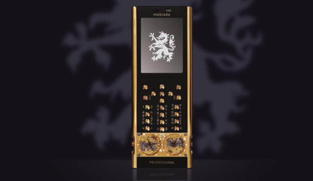 Mobiado Luxushandy 105GMT Gold 1080x625 - Mobiado 105GMT Gold - Luxushandy mit mechanischen Uhren