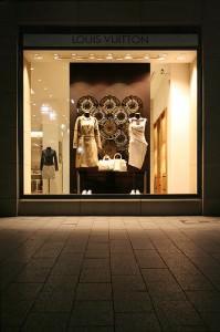 louis vuitton frankfurt shop flagship store 199x300 - Louis Vuitton Frankfurt Shop & Flagship Store