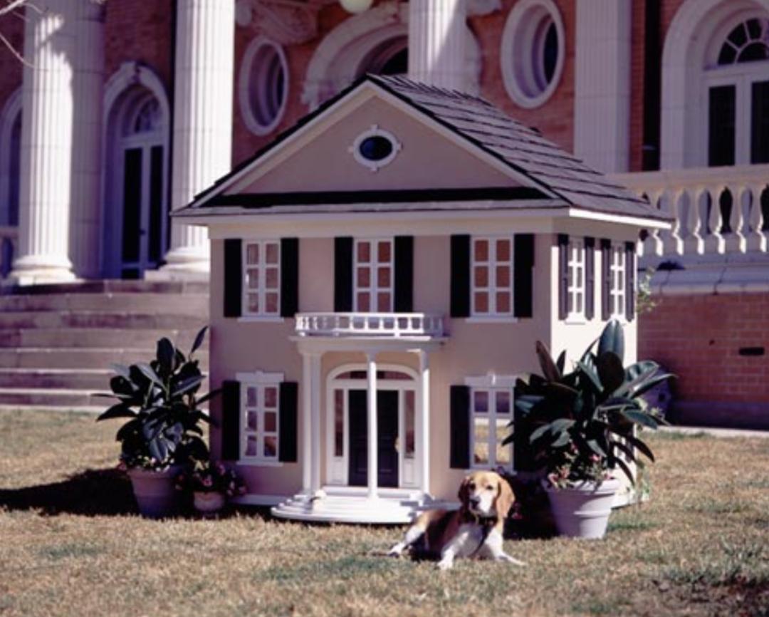 La Petite Maison Luxus Hundehuetten 1080x866 - Maßgeschneiderte Luxus-Hundehütten