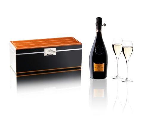 riva cruiser box la grande dame by riva veuve cliquot 520x400 - Veuve Clicquot «La Grande Dame by Riva Cruiser BOX»