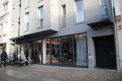 Hotel Q Berlin by Richard Moross