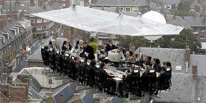 dinner in the sky - Schmausen über den Dächern von Paris - Das Dinner in the Sky