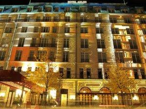 Adlon Hotel by delpax - Luxuriöse Hochzeitsfeier im Adlon - Das Brautpaar bekommt die Übernachtung geschenkt