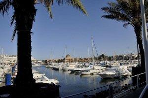 Vilamouro Yachthafen by wiki CTHOE - Wealth Bulletin: Das sind die teuersten Yachthäfen der Welt