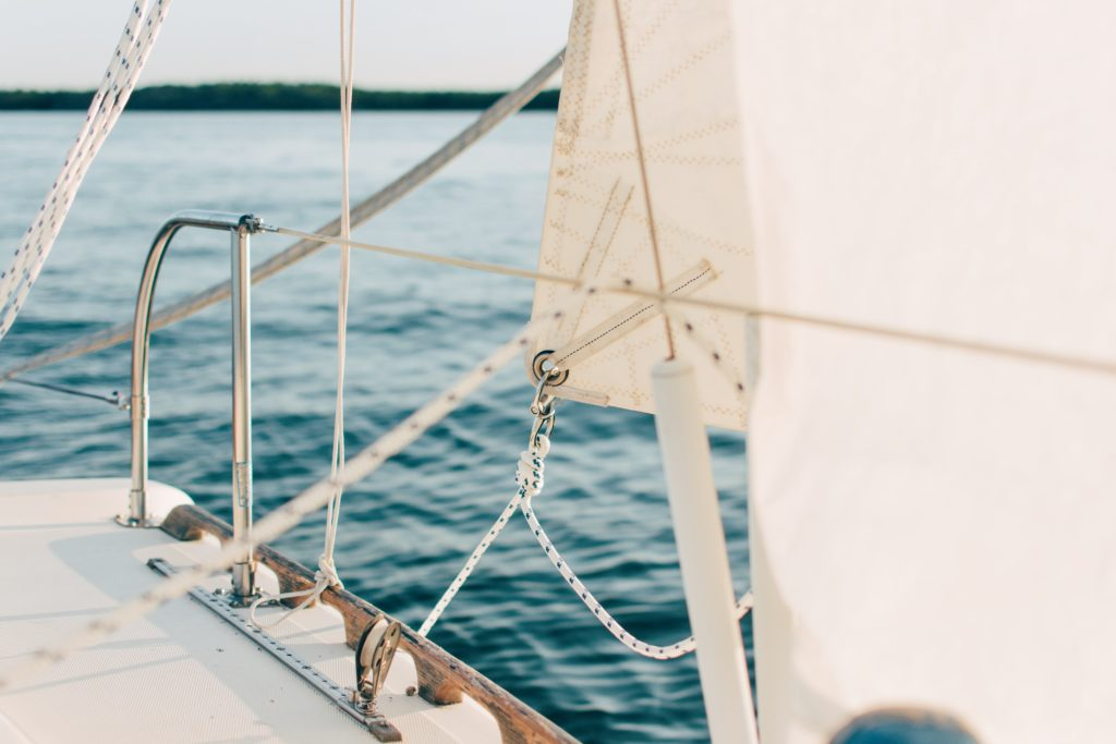 segelboot segelyacht 1024x683 - Die eigene Yacht: Freiheitsgefühl pur