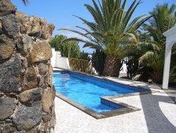 Swimming Pool by wiki Marv1111 - Swimmingpool und Sauna sind der Deutschen liebster Luxus im Eigenheim
