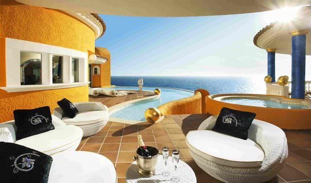 villa colani auf mallorca steht zum verkauf luxury first. Black Bedroom Furniture Sets. Home Design Ideas