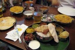 Indisches Essen by flickr anne.oeldorfhirsch - Indische Lebensmittel online bestellen