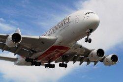 Airbus A380 Emirates by flickr BriYYZ1 - Emirates: Luxusreisende werden mit Bussen deluxe abgeholt