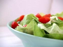 Salat by wikimedia cyclonebill - Lyfe Kitchen: Die neuartige Fast-Food-Kette mit gesunden Lebensmitteln?