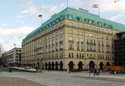 Adlon Hotel Berlin by wikimedia Raymond - Österreicher Leonard Cernko wird Küchenchef im Berliner Hotel Adlon