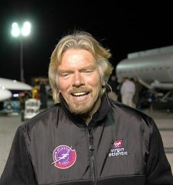 Richard Branson by wikimedia NASA - Makepeace Island: Luxusinsel von Richard Branson mieten