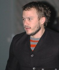 "Heath Ledger by wikimedia César - Heath Ledger: Sein ""Baumhaus"" in Hollywood wird verkauft"