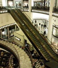 Galeries Lafayette by flickr nagerw - Galeries Lafayette Berlin: Gucci zieht in Luxuskaufhaus ein