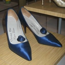 Roger Vivier by wikimedia Sheila Thomson - Maison Roger Vivier: Einen der teuerste Schuhe der Welt zurückgewonnen