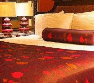 loop oh 300x265 - Luxus im Schlafzimmer: exklusive Bettwäsche