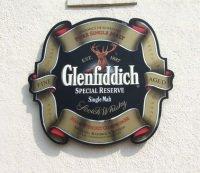 Glenfiddich by geograph Stanley Howe - Glenfiddich: Erneut Whiskey zu Rekordpreis versteigert