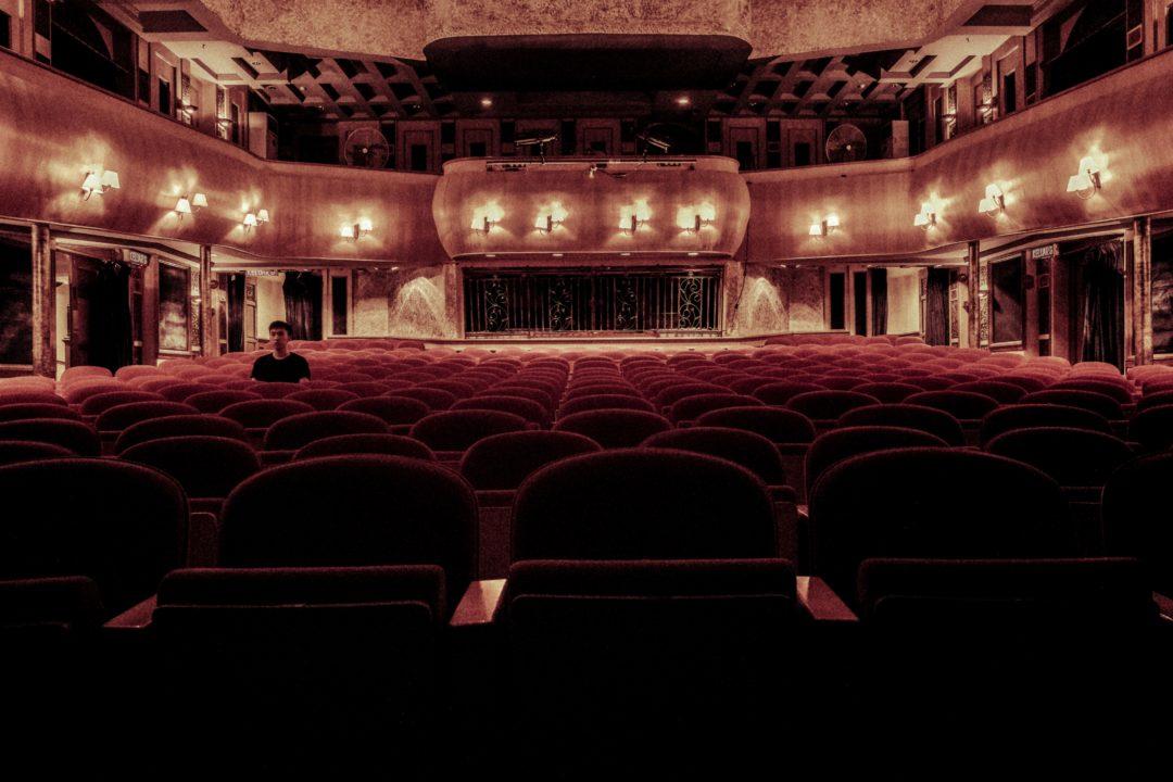 luxuskino luxus kinosaal 1080x720 - Residenz Filmtheater: Astor Filmlounge in Köln