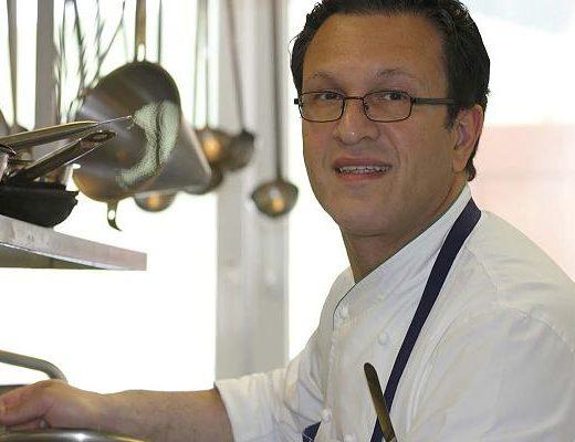 """Raffaele Cesare Cannizzaro Koch Kuechenchef 520x400 - Der Himmel für Gourmets - Raffaele Cannizzaro und das Restaurant """"Tannheimer Stube"""""""