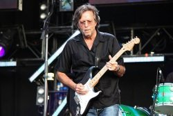 Eric Clapton by wikimedia Majvdl - Gerhard Richter: Eric Clapton verkauft Gemälde für Rekordpreis