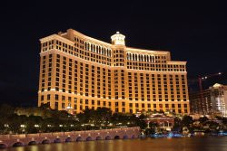 Bellagio Las Vegas by wikimedia Patrick Pelster CC BY SA 3.0 DE - Bellagio Hotel in Las Vegas: Kaviar-Buffet
