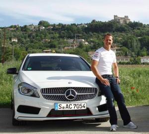 Bildschirmfoto 2013 05 06 um 17.13.16 300x271 - Schumi wird Markenbotschafter für Mercedes Benz