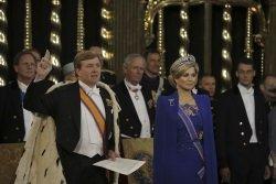 Krönung Willem Alexander und Maxima by wikimedia rijksoverheld nl - Neues Königspaar in den Niederlanden: Verpflichtungen und Luxus