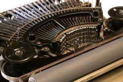 Schreibmaschine by wikimedia Lothar Spurzem - Shout-Outs: Blogger-Wochen-Rückblick