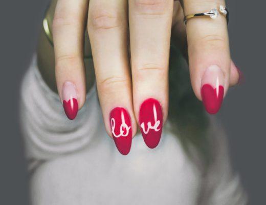 fingernagel fingernaegel nail art 520x400 - Lady Gaga: Ein künstlicher Fingernagel für 12.000 Dollar versteigert!