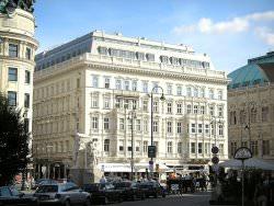 Hotel Sacher Wien by wikimedia Gryffindor - Hotel Sacher in Wien: Extra Service für Hunde