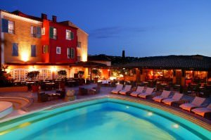 Restaurant le B. 300x199 - Les Caves du Roy in St. Tropez: Club der Schönen und Reichen