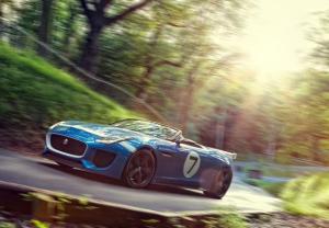 Bildschirmfoto 2013 08 07 um 20.14.33 300x208 - Jaguar präsentiert Project 7
