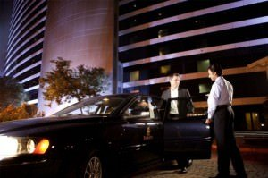 Emirates Chauffeur Service 1 300x199 - Emirates: Kostenloser Chauffeur-Service nun auch in China