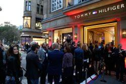 Tommy Hilfiger Shop Eröffnung Foto PR - Tommy Hilfiger: Neuer Store in Düsseldorf feierlich eröffnet