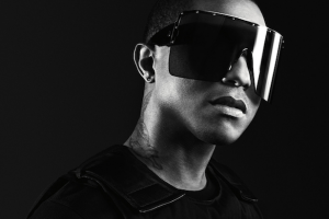 Bildschirmfoto 2013 10 12 um 19.29.43 300x200 - Pharrell Williams designt für Moncler