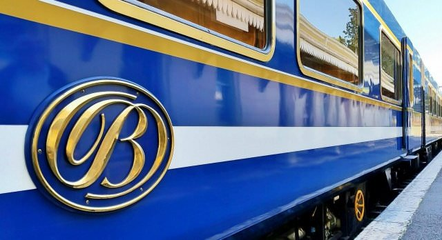 the blue train outside - Blue Train: Im rollenden Luxushotel durch Südafrika oder Namibia