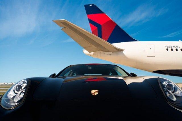 DL Porsche Panamera 750x500 300dpi - Delta Airlines bringt Luxus-Kunden mit Porsche von Gate zu Gate