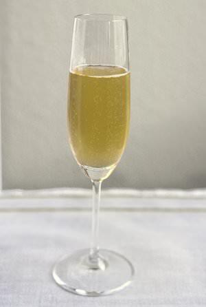 Champagner Quelle Wikimedia - Festliches Menü: Champagner statt Wein?