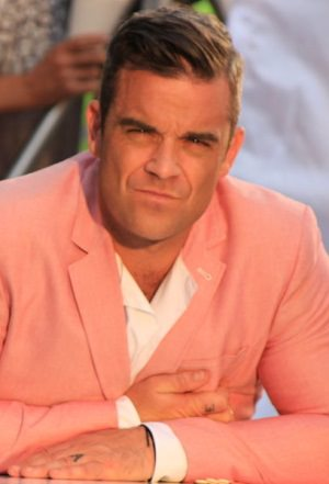 Robbie Williams by wikimedia Maria Andronic - Robbie Williams: Neue Luxusvilla in London