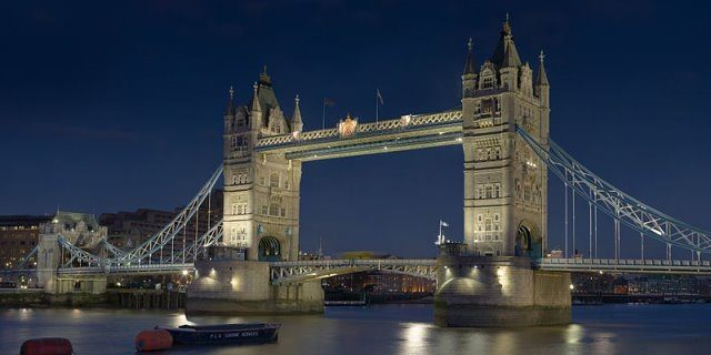 Tower Bridge London cc by wikimedia Diliff - Shout-Outs: Die Blogger-Woche