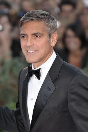 """George Clooney cc by wikimedia Nicolas Genin - Berlinale 2014: George Clooney präsentiert """"Monuments Men"""""""