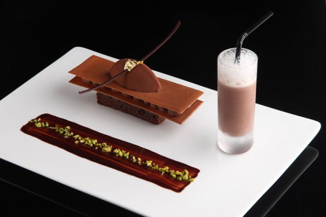 Gourmet cc by wikimedia Hotel de la Paix Genève - 21. St. Moritz Gourmet Festival im Januar 2014