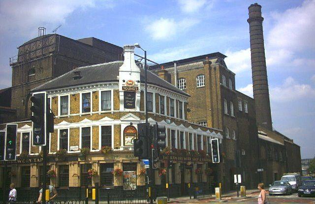 Wandsworth London by wikimedia Noel Foster - Londoner Stadtteil Wandsworth soll Luxus-Investoren anziehen