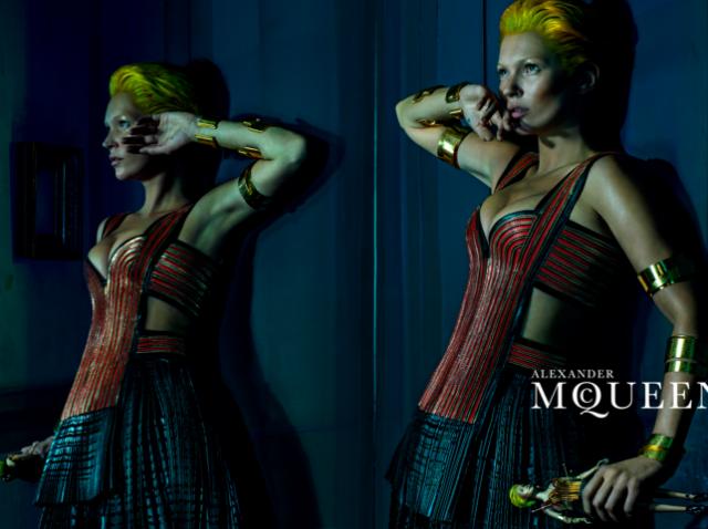 Bildschirmfoto 2014 02 09 um 14.20.36 - Kate Moss - eine futuristische Amazone für Alexander McQueen