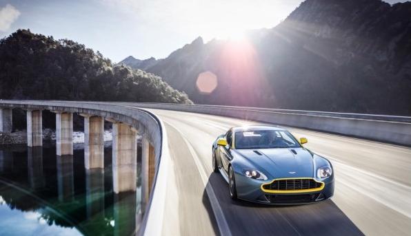 Bildschirmfoto 2014 02 26 um 17.48.32 - Aston Martin V8 Vantage