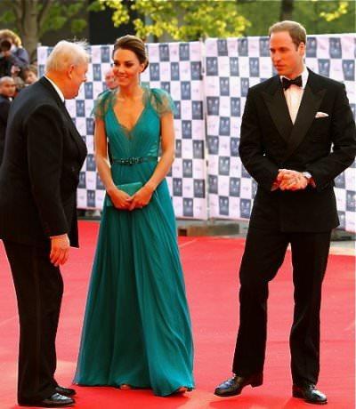 """Duke and Duchess of Cambridge cc by wikmedia Jennifer Su - Schmucksammlung der Queen: Herzogin Catherine trägt """"Nizam von Hyderabad""""-Collier"""