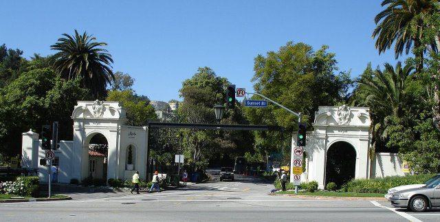 Bel Air cc by wikimedia Leahcim506 - Bel Air: Eine der schönsten Villen in Los Angeles steht zum Verkauf