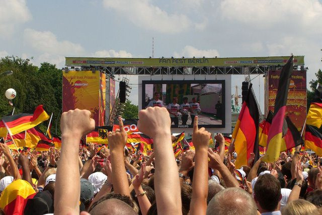 Fußball WM cc by wikimedia Times - Shout-Outs: Blick in andere Blogs