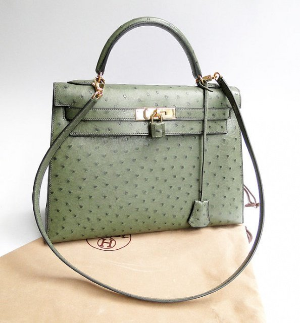 Kelly Bag cc by wikimedia Wen Cheng Liu - Auktion: Besondere Vintage Taschen von Hermès in Monaco unter dem Hammer